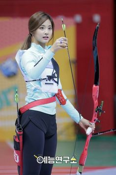 Twice Tzuyu 쯔위 周子瑜 Korean Beauty Girls, Korean Girl, Asian Beauty, Asian Girl, Archery Girl, Beautiful Athletes, Fitness Motivation Pictures, Body Poses, Sporty Girls