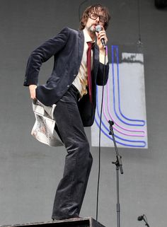 Jarvis Cocker has celebrated the closure of the News of the World by using its final edition as toilet paper onstage at T in the Park.