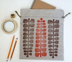Jen Hewett, illustrator, print maker, textile designer. Latest Articles | Bloglovin'