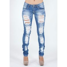 Style. Destroyed Skinny Jeans.