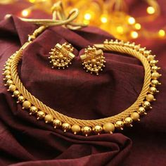 Short Gold Necklace Designs for Women - Kurti Blouse Gold Earrings Designs, Gold Jewellery Design, Necklace Designs, Silver Jewellery, Gold Designs, Necklace Ideas, Silver Rings, Gold Jewelry Simple, Jewelry Patterns