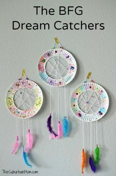Paper plate dream catchers inspired by Roald Dahl and Disney's The BFG. Easy kids craft for toddlers to big kids. Perfect for Girl Scout Troops too. kids crafts The BFG Paper Plate Dream Catchers Kids Craft The Suburban Mom Easy Crafts For Kids, Diy For Kids, Big Kids, Kids Fun, Children Crafts, Arts And Crafts For Kids For Summer, Easy Arts And Crafts, Paper Plate Crafts For Kids, Kids Craft Projects