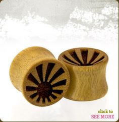 really loving organic and wooden stuff. these gauges? perfect.
