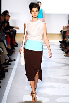 so simple and adorable! I'll definitely be replicating this in the spring :) Diane von Furstenberg Spring 2012 RTW.