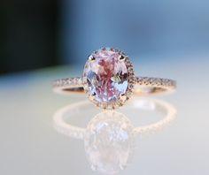 1.49ct+Oval+champagne+peach+sapphire+diamond+ring+par+EidelPrecious,+$1+750,00