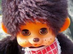Monchichi eksyy somelaiseen metsään Winter Hats, Retro, Toys, Vintage, Activity Toys, Clearance Toys, Vintage Comics, Gaming, Retro Illustration