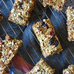 Healthy snack recipe for homemade Breakfast Bars Ingredients 2 cups original oats 1/2 cup desiccated coconut 1/2 cup mixed dried berries (or just goji berries) pinch of salt 1 tsp […]