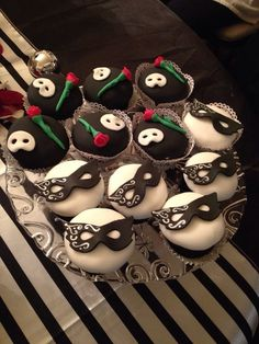 Phantom of the Opera Cupcakes