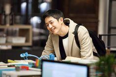 [정해인] '밥 잘 먹는 미대 오빠' 정해인의 반전 매력 : 네이버 포스트 Korean Drama Movies, Korean Actors, Korean Men, Handsome Asian Men, Jung In, Kdrama Actors, Handsome Actors, Pretty Men, Neon Wallpaper