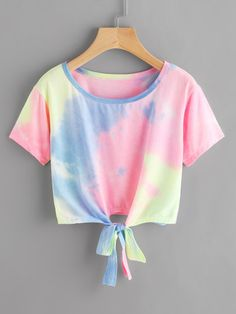 SheIn offers Water Color Knot Front Tee & more to fit your fashionable needs. Cute Lazy Outfits, Crop Top Outfits, Kids Outfits Girls, Teenager Outfits, Pretty Outfits, Stylish Outfits, Cool Outfits, Girls Crop Tops, Cute Crop Tops