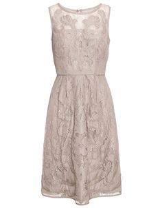 Romantic Soft and elegant - Beautiful lace trend dress - complete the look with classic creamy white pearls and sandals!