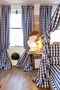 I live in Scandinavia and I find that most Scandinavians find ginghams just way too traditional to actually use in rooms. I would love to go all out and gingham up a whole room like this.