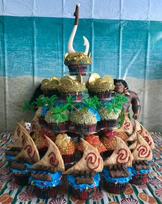 Moana themed cupcakes birthday party
