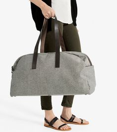 The Twill Weekender - Reverse Denim - Everlane Carry On Packing, Packing Lists, Modern Essentials, Travel Essentials, Large Shoulder Bags, Who What Wear, Playing Dress Up, Travel Bag, Travel Packing