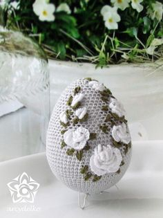 Crochet Decoration, Easter Crochet, Egg Art, Egg Decorating, Crochet Home, Easter Baskets, Easter Crafts, Happy Easter, Lana