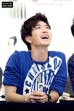 [FANTAKEN] 2014.07.06 — GOT7 Youngjae @ Yeongdeungpo Times Square Fansign Event © https://twitter.com/07E_STAR http://i.imgur.com/8CQmCUb.jpg