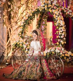 Awesome Photos from Aiman and Muneeb Filmy Wedding Party Happening Right Now Bridal Mehndi Dresses, Asian Bridal Dresses, Bridal Dress Design, Pakistani Bridal Dresses, Pakistani Wedding Dresses, Bridal Outfits, Pakistani Mehndi Dress, Mehendi, Weding Dresses