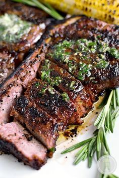 Perfect Grilled Steak with Herb Butter features a homemade dry rub and melty herb butter finish. This easy grilled steak recipe is absolutely mouthwatering! Grilled Steak Recipes, Grilled Meat, Meat Recipes, Yummy Recipes, Cooking Recipes, Yummy Food, Healthy Recipes, Grilled Steaks, Barbecue Recipes