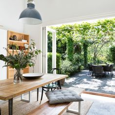The Real Estate Stylisth - How's that for a dining outlook? Bringing the outdoors in with big windows and plenty of light. Villa, Beautiful Interiors, Beautiful Homes, Indoor Outdoor Living, Dining Room Design, My Dream Home, Interior Inspiration, Home And Living, Decoration