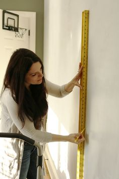 Beginner Guide: How to Hang Wallpaper - Darling Darleen   A Lifestyle Design Blog Wallpaper Size, Wallpaper Panels, How To Apply Wallpaper, Square Tool, Prepasted Wallpaper, Level 3, Lifestyle, Bathrooms, Blog