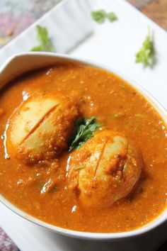 YUMMY TUMMY: Egg Curry Recipe - Simple Egg Curry for Rice, Roti & Pulav