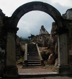 One of the more famous ruins in Antigua Guatemala, la Recolecion offers ample proof why the Spanish moved the regional capital to Guatemala City because of so many devastating earthquakes.  As forlorn as the place looks, just off to the left is a large area that has been converted to an amphitheater for classical music performances as well as other events.