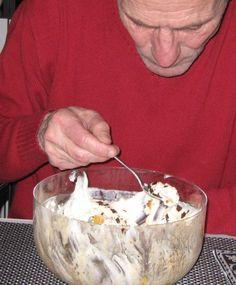 Mascarponecrème Met Abrikozen En Bitterkoekjes recept   Smulweb.nl