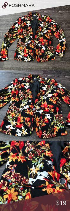 Forever 21 plus blazer Forever 21 plus floral blazer. Size XL Forever 21 Jackets & Coats Blazers