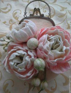 """Купить Сумочка """"Пионы"""" - бледно-розовый, цветочный, пионы, войлок, сумочка из войлока, авторская сумка"""