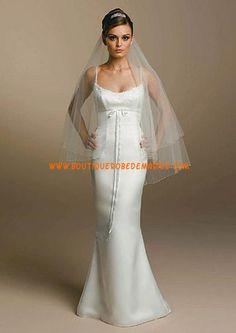 Robe de mariée simple avec voile deux bretelles fines