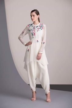 Buy White Color Dhoti Dress by Akanksha Singh at Fresh Look Fashion Pakistani Dresses, Indian Dresses, Indian Outfits, Indian Attire, Indian Ethnic Wear, Look Fashion, Indian Fashion, Fashion Design, Indian Designer Outfits