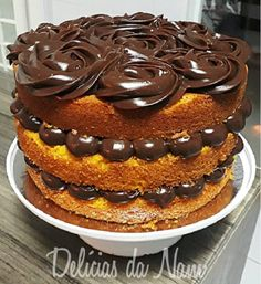 O resultado é um bolo de cenoura sem igual, que vai deixar seu familiares e amigos suspirando. Faça hoje mesmo o maravilhoso Bolo de Cenoura Gourmet e receba muitos e muito elogios!
