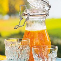 Gazpacho - recept på 8 somriga varianter | ICA Hälsa Gazpacho Recept, Grits, Antipasto, Alcoholic Drinks, Wine, Restaurants, Corner, Food, Grilling