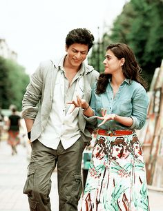 Shahrukh Khan, Kajol [Dilwale - SRK and Kajol] Kajol Dilwale, Shahrukh Khan And Kajol, Shah Rukh Khan Movies, Dilwale 2015, Aamir Khan, Bollywood Stars, Bollywood Couples, Bollywood Outfits, Indian Celebrities
