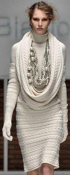 runway sweater dress | Keep the Glamour | BeStayBeautiful