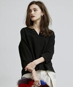 【ZOZOTOWN|送料無料】UNITED TOKYO(ユナイテッドトウキョウ)のシャツ/ブラウス「オープンフロントネックブラウス」(506304004)を購入できます。