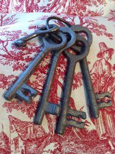 Cast Iron Skeleton Keys by TickleMeGirly on Etsy