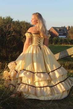 Old Dresses, Satin Dresses, Pretty Dresses, Bridal Dresses, Prom Dresses, Southern Belle Dress, Satin Gown, Fantasy Dress, Quinceanera Dresses