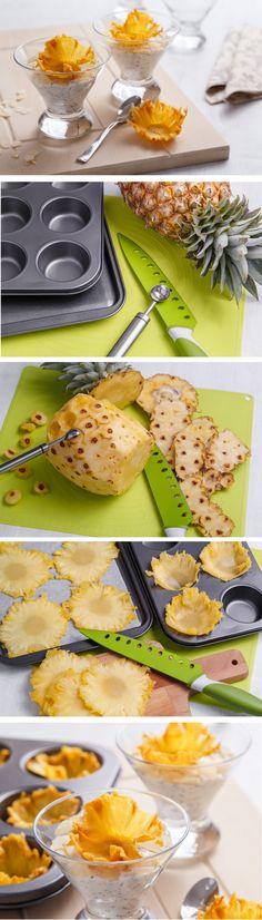 Z ananasu se dají vytvořit nádherné květiny, které se vám mohou hodit na dozdobení dortů a dezertů. My je využili na dezert s marcipánem a mákem, ke kterému ananas výborně pasuje. K výrobě budete potřebovat formu na muffiny a zbytek už najdete na našem blogu.