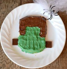 Make a fun Halloween breakfast with Frankenstein Waffles! #EggoWaffleOff