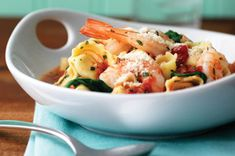 What& better than cheese tortellini? Cheese tortellini with garlic red pepper sauce, shrimp, spinach and fresh basil, that& what. Eating right never tasted so good. Seafood Dishes, Pasta Dishes, Seafood Recipes, Pasta Recipes, Cooking Recipes, Healthy Recipes, Pasta Meals, Fish Recipes, Healthy Food