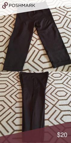 """Electric yoga Capri sz s New electric yoga Capri sz small. 23"""" length. Black on black Pants Capris"""