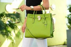 I LOVE this tote!