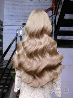 Fashionable hair color 2019 for long hair: The main directions and trends in the photo color directions fashionable photo trends longhair Face Shape Hairstyles, Straight Hairstyles, Hairstyles Videos, Simple Hairstyles, Formal Hairstyles, Ponytail Hairstyles, Natural Hairstyles, Long Shag Haircut, Long Thin Hair