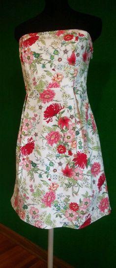 Strapless Sun dress FLORAL Fit & Flare Medium size 8 Multi color white OLD NAVY #OldNavy #Sundress #GraduationCocktailSundayTea