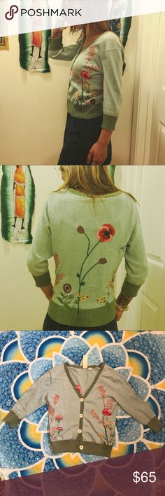 🎃🍂EMRBOIDERED CARIDGAN🍂🎃 Beautiful vintage embroidered cardigan in light blue and green colors. Embroidery is hand done and absolutely stunning. Excellent condition, no stains flaws or pulling. Fits size xs/s Vintage Sweaters Cardigans