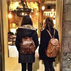 ✅We love our Moroccan leather backpacks, perfect for the city, the beach