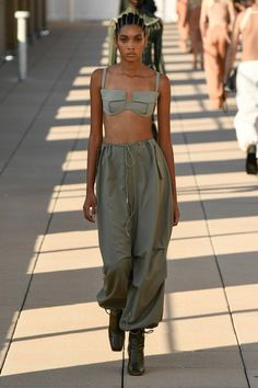 Bras & Corsets Spring 2020 Fashion Trend – 2020 Fashions Womens and Man's Trends 2020 Jewelry trends Lux Fashion, Fashion Week, Daily Fashion, High Fashion, Fashion Show, Fashion Outfits, Latest Fashion Design, 2020 Fashion Trends, Fashion 2020