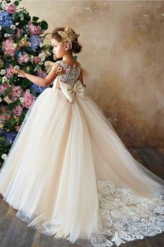 Vintage couture ivory champagne flower girl communion dress christmas party junior bridesmaid dress - Junior Dresses - Ideas of Junior Dresses White Flower Girl Dresses, Lace Flower Girls, Lace Flowers, Princess Ball Gowns, Princess Wedding Dresses, Dress Wedding, Pageant Dresses, Girls Dresses, Junior Dresses