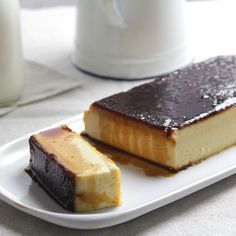 Delicious flan (creme caramel) made with eggs and cookies. (In Spanish) Más Custard Desserts, Pudding Desserts, Just Desserts, Delicious Desserts, Yummy Food, Jello Recipes, Cuban Recipes, Sweet Recipes, Dessert Recipes